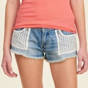 NWOT Hollister low rise shorts size 3.